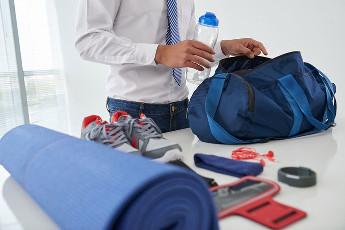 preview-full-preparing-gym-bag
